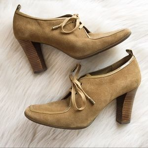 Anne Klein lace up heeled loafers 8.5 suede